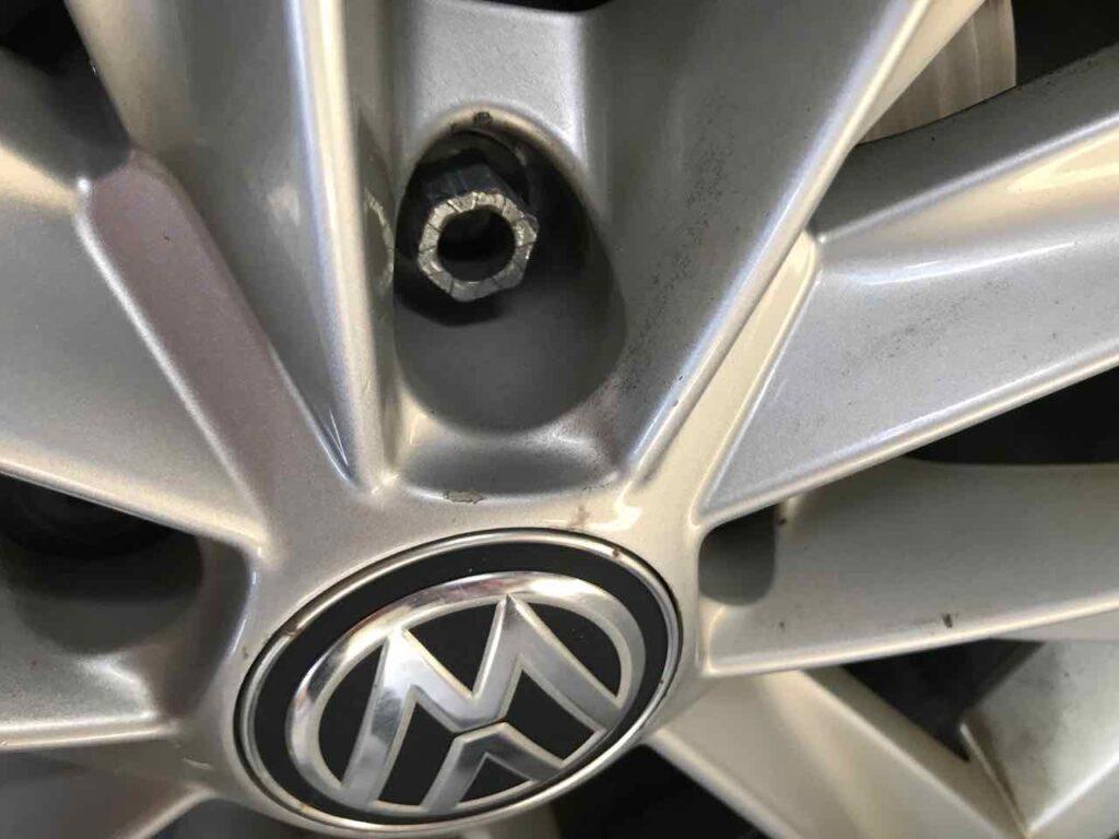 Alltrack wheel lug